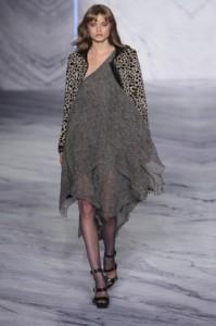 3.1 Phillip Lim fall 2010 collection photo by Ed Kavishe fashionwirepress on FDM fashiondailymag.com by Brigitte Segura