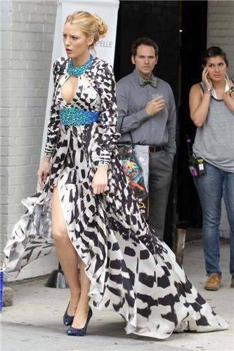 BLAKE LIVELY in RAPHAEL YOUNG in FRAZER HARRISONs top 10 red carpet picks on fashiondailymag.com brigitte segura
