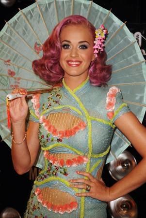 KATY PERRY VMAS renato campora frederick fekkai on FashionDailyMag