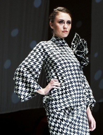 ALEXANDER McQUEEN houndstooth from BECCA CASON THRASH couture photo cody bess FashionDailyMag
