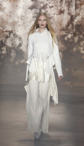 FW12 SALLY LAPOINTE NEW YORK 2/11/2012 FASHIONDAILYMAG SEL 3