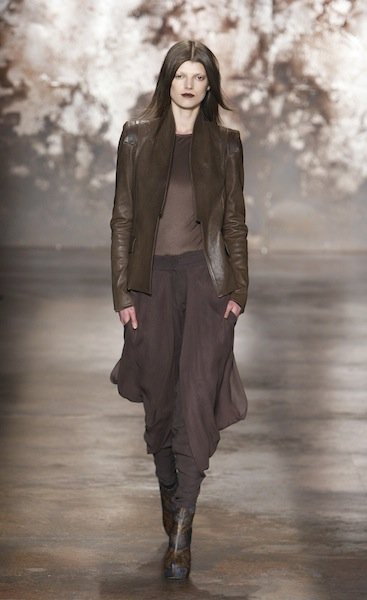 FW12 SALLY LAPOINTE NEW YORK 2/11/2012 FASHIONDAILYMAG SEL 17
