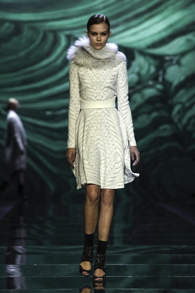 MONIQUE LHUILLIER FALL 2013 FASHIONDAILYMAG SEL 1