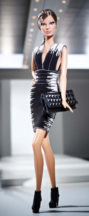 Herve Leger Barbie FashionDailyMag sel 02