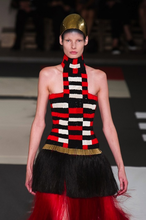 MCQUEEN Spring 2014 fashiondailymag sel 27
