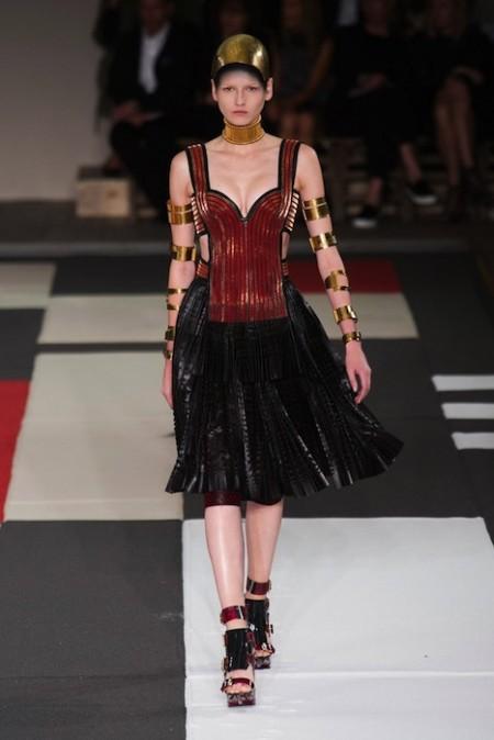 MCQUEEN Spring 2014 fashiondailymag sel 8