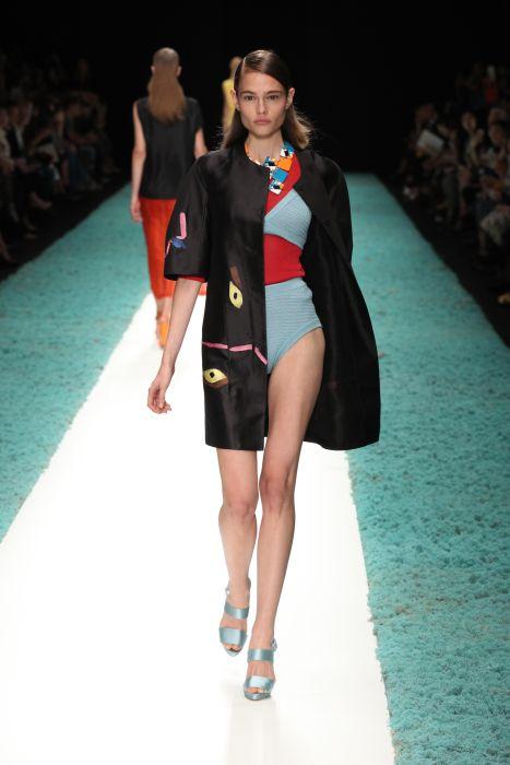 Shiatzy Chen Spring 2014 FashionDailyMag sel 2