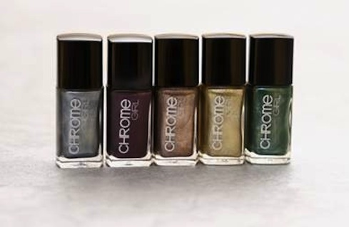chrome girl metallic nail polish fashiondailymag