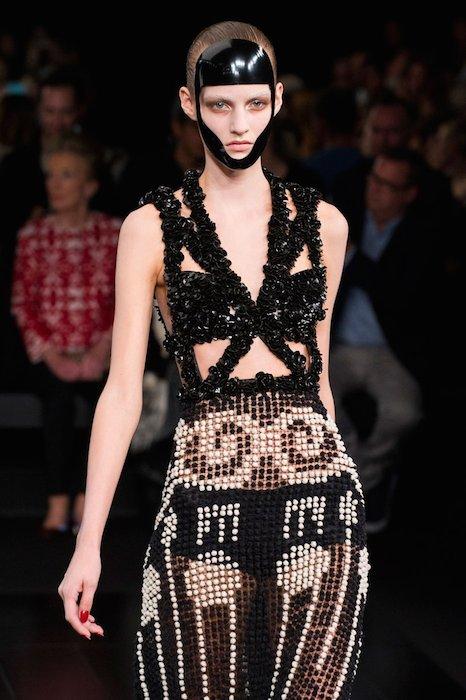 McQueen spring 2015 FashionDailyMag sel 49