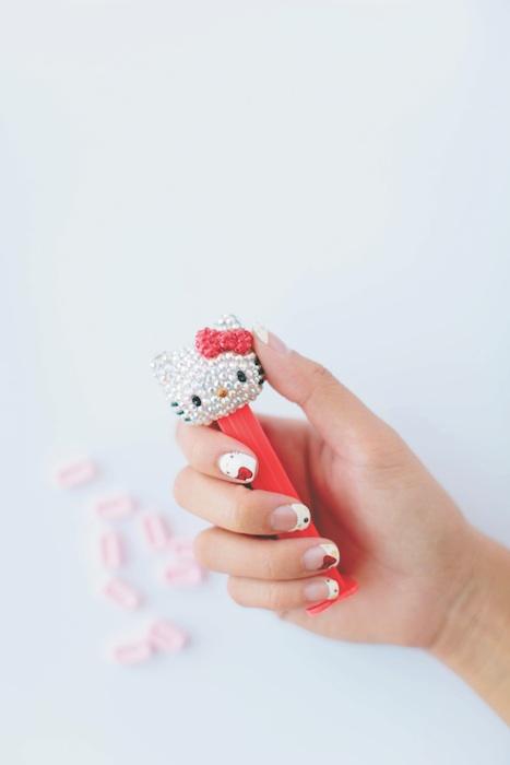 Hello Kitty Nail Art Fashion Daily Mag sel 2