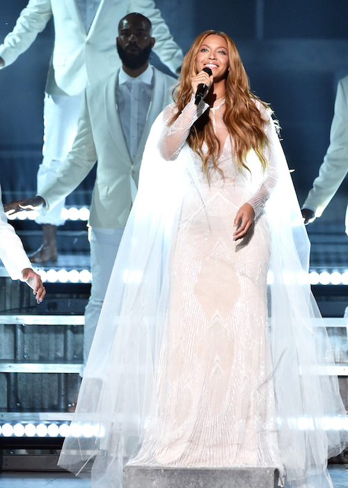 Beyonce in roberto cavalli at the grammys 2015 FashionDailyMag 1