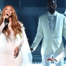 BEYONCE rocks the grammys 2015