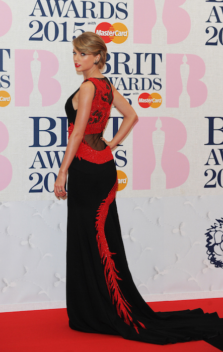 taylor swift brit awards roberto cavalli  Fashiondailymag