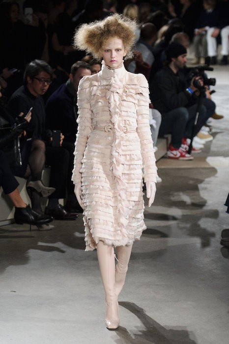 ALEXANDER MCQUEEN fall 2015 FashionDailyMag sel 76