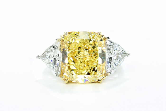 Forevermark by Premier Gem Cushion Fancy Yellow Diamond Ring set in 18k White Gold 10.90 ctw