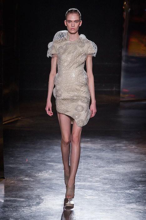 iris van herpen fw16 fwp FashionDailyMag
