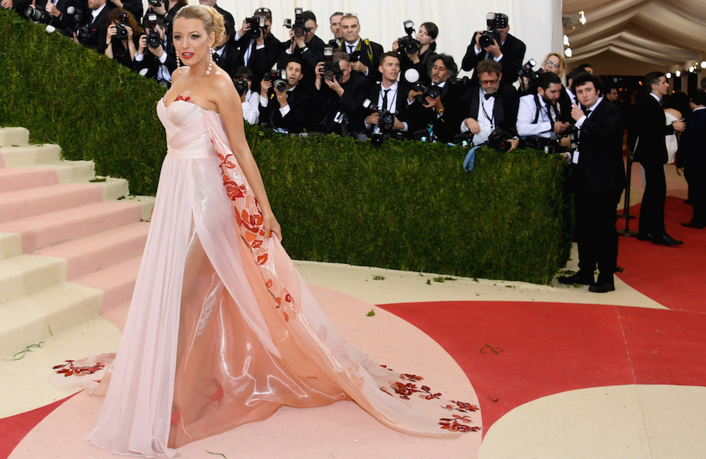 """blake lively """"Manus x Machina: Fashion In An Age Of Technology"""" Costume Institute Gala - Arrivals"""