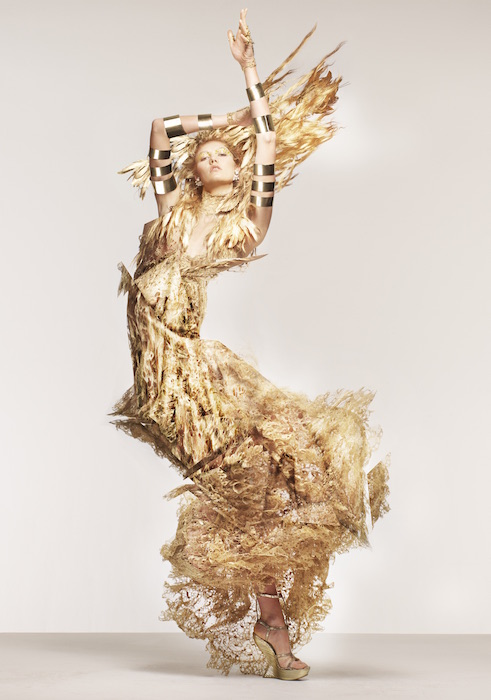 karlie kloss in alexander mcqueen Edward Enninful FashionDailyMag
