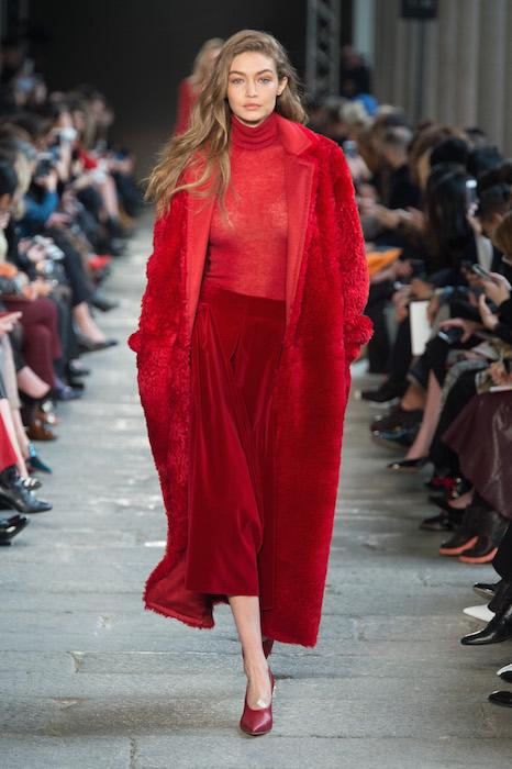Gigi Hadid Max Mara FW17 fashiondailymag_02
