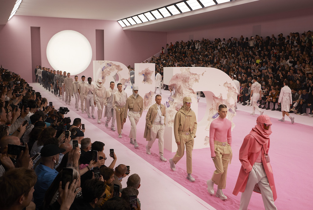 FINALE DIOR MEN'S SUMM2010 SHOW FASHION DAILY MAG BRIGITTESEGURACURATOR copy