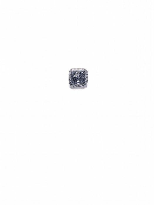 Fancy Vivid Blue diamond weighing 3.03 carats