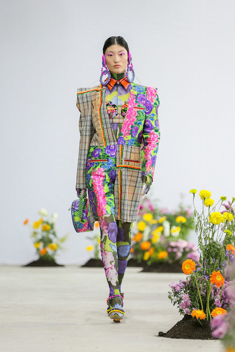 SHUTINGQIU_SS20_Look2 SHANGHAI RUNWAY faves FashionDailyMag Brigitteseguracurator 2 14