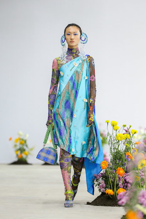 SHUTINGQIU_SS20_Look2 SHANGHAI RUNWAY faves FashionDailyMag Brigitteseguracurator 2 16