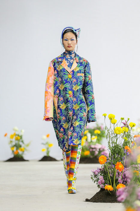 SHUTINGQIU_SS20_Look2 SHANGHAI RUNWAY faves FashionDailyMag Brigitteseguracurator 2 19