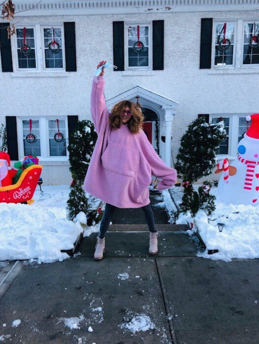 brigitte segura STAY HOME STAY PINK the comfy PASTEL HOLIDAY GIFT GUIDE 2020 FASHIONDAILYMAG 2